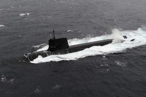 Nhật - Trung so kè năng lực tàu ngầm