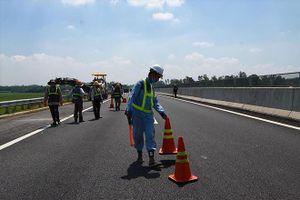 Cao tốc Đà Nẵng - Quảng Ngãi: Cần làm rõ việc bán thầu trái luật
