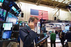 Fed 'phá bữa tiệc vui' của giới đầu tư