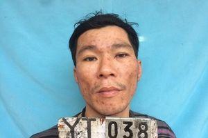 Nghệ An: Đối tượng nhiễm HIV cầm dao, lựu đạn chống đối công an
