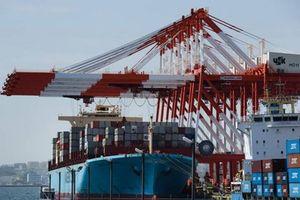 Xuất khẩu của Nhật Bản lần đầu tiên giảm trong gần hai năm