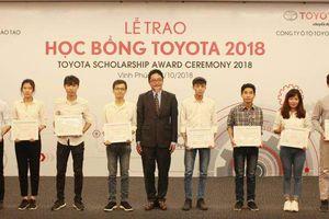 Toyota Việt Nam trao 115 suất học bổng cho sinh viên xuất sắc ngành cơ khí ô tô