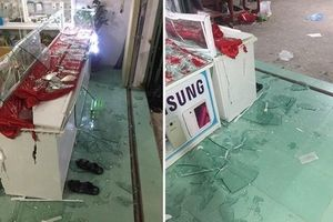 Hiện trường cửa hàng điện thoại ở Nam Định bị nhóm côn đồ đập phá trong đêm
