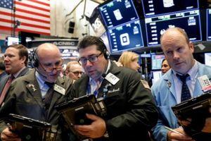 Nỗi lo lãi suất tăng đẩy chứng khoán Mỹ giảm điểm