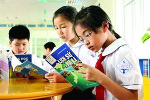 Yêu cầu Bộ GD-ĐT làm rõ khoản 'lỗ 3 năm liên tiếp' khi làm sách giáo khoa