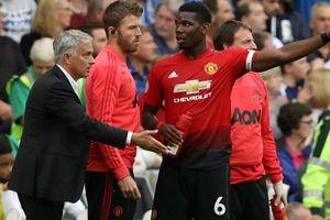 Sự thật về video Pogba lườm Mourinho