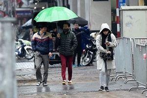 Mưa lạnh bao phủ thủ đô Hà Nội