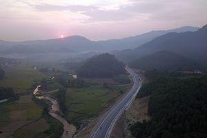 Ngắm nhìn tuyến đường BOT gần 3.000 tỷ nối Hà Nội đi Hòa Bình