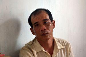 Đang ngủ trưa, chồng bất ngờ dùng dao Thái Lan đâm vợ