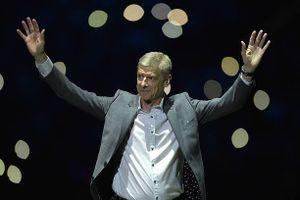 HLV Arsene Wenger ấn định thời điểm tái xuất