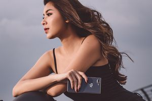 BlackBerry KEY2 LE giá 11.790.000 đồng