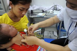 Trẻ mắc sởi tăng 22 lần, Bộ Y tế mở chiến dịch tiêm ngừa miễn phí