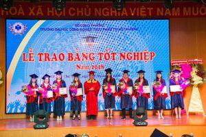 Hơn 3.600 Tân cử nhân, Kỹ sư nhận bằng tốt nghiệp năm 2018