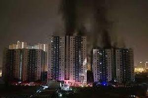 Dân Carina Plaza chính thức trở về sau vụ cháy 13 người chết
