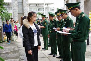 Tiếp nhận 116 công dân Việt Nam do Trung Quốc trao trả