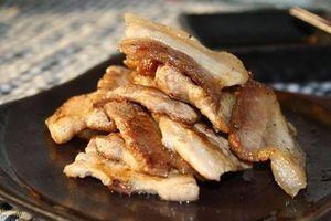Mỗi khi chiên thịt người Hàn lại cho 1 chút gia vị này để thịt mềm ngon đúng chuẩn