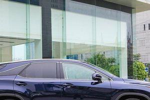 Soi xe 'xanh' Lexus RX450h 2018 chốt giá 4,5 tỷ cho khách Việt