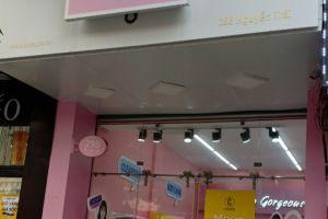 Hà Nội: Thêm 1 cơ sở kinh doanh mỹ phẩm không rõ nguồn gốc xuất xứ, không tem nhãn phụ