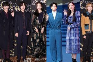Cha Eun Woo, Winner, Sunmi cùng Ahn Jae Hyun và Lee Da Hee chiếm postlight tại 'Hera Seoul Fashion Week' ngày 3