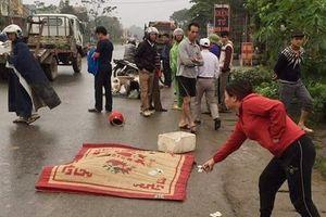Trên đường đến trường, nữ hiệu phó trường tiểu học bị xe tải tông tử vong