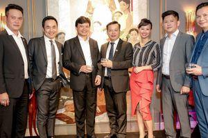 Điểm lại loạt ảnh diện suits của các nhà đầu tư trong Shark Tank Việt Nam