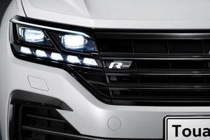 Volkswagen phát triển công nghệ đèn pha tương tác để cạnh tranh với Mercedes-Benz