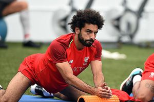 Mo Salah và Virgil van Dijk báo tin mừng cho CĐV Liverpool