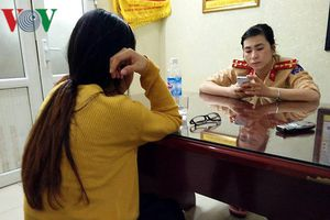 CSGT giải cứu thành công người vợ mâu thuẫn với chồng đòi tự tử