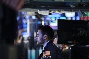 Nhiều rủi ro xuất hiện khiến giới đầu tư bất an