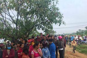 4 người trong một gia đình ở Hà Tĩnh thắt cổ tự tử