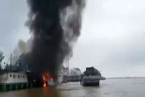 Nguyên nhân tàu dầu cháy dữ dội khiến 1 người chết ở sông Tiền