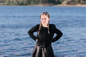 'Nữ hoàng Thụy Điển' 8 tuổi và chuyện tìm thấy gươm cổ 1.500 năm
