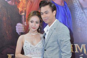 Ca sĩ Hồ Việt Trung tái hợp với bạn gái hot girl sau 1 năm chia tay