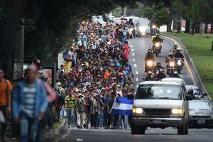 Đoàn xe caravan chở nỗi lo của ông Trump vào nước Mỹ