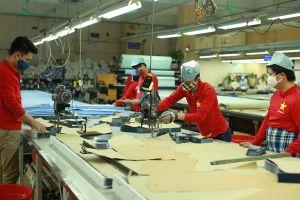 Vượt áp lực cạnh tranh, kinh tế Việt Nam kỳ vọng tăng 70 tỉ USD