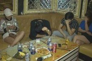 Phát hiện 21 thanh niên sử dụng ma túy trong quán karaoke