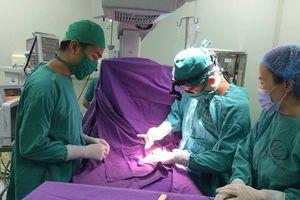 Quảng Ninh: Phẫu thuật thành công cho bệnh nhi 13 ngày tuổi bị tăng áp động mạch phổi nặng
