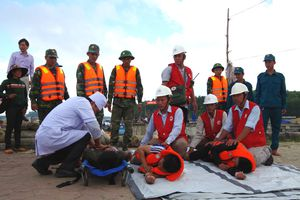 Diễn tập phòng chống lụt bão và tìm kiếm cứu nạn tại huyện Bình Sơn
