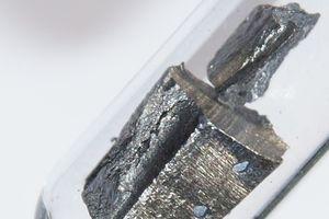 Thế giới lo lắng khi Trung Quốc kiểm soát nguồn cung kim loại quan trọng trong giới công nghệ