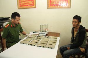 Khoác ba lô chứa 20 bánh heroin từ Thanh Hóa sang Yên Bái tiêu thụ