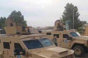 Lộ ảnh xe bọc thép, vũ khí hạng nặng Mỹ rầm rập tiến vào Manbij của Syria?