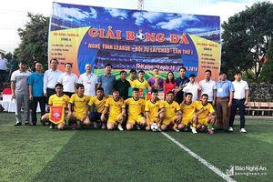 9 đội bóng tranh tài tại giải 'Nghệ Tĩnh League - Hội tụ Lai Châu'.