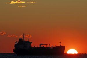 Iran ồ ạt chuyển dầu thô sang Trung Quốc để né đòn trừng phạt của Mỹ
