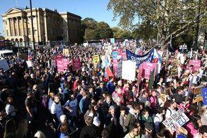 Tuần hành ở London kêu gọi trưng cầu ý dân về Brexit lần 2