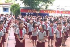 Màn đồng ca 'Mẹ yêu ơi' gây sốt cộng đồng mạng của học sinh xứ Nghệ