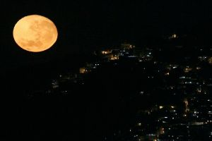 Từ năm 2020, Trái đất sẽ có bốn mặt trăng?!?