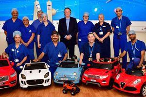 Bệnh viện cho bệnh nhi lái 'siêu xe' tới phòng phẫu thuật