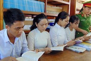 Thiết thực 'Tủ sách hiếu học' cho học trò vùng cao