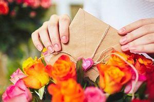 Không chỉ nam giới, ngày 20/10 nhiều cô gái cũng đau đầu tìm mua quà