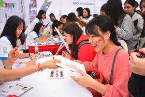 Đông đảo sinh viên háo hức tham gia Ngày hội tiếng Hàn Hangeulnal
